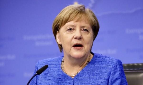 Меркел:  Ще направя всичко за старт на преговори с Македония