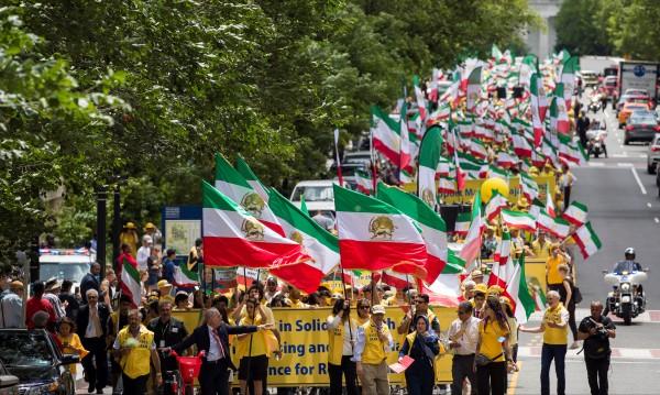 Иран се закани - ще отговори твърдо на заплахите от САЩ