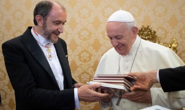 Посланикът ни във Ватикана се срещна с папа Франциск