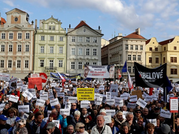 Десетки хиляди ще се включат в огромен протест срещу чешкия