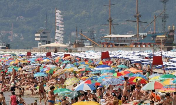 Плащания, сметки... Как да се предпазим от измами за летните ни резервации?