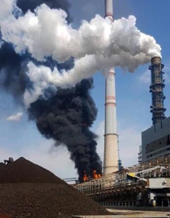 12 екипа на пожарната се борят с огъня в ТЕЦ 2, няма замърсяване