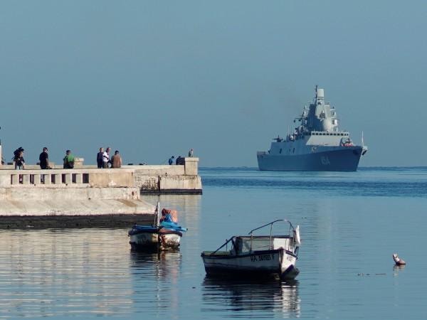 "Руска военноморска група начело с фрегатата ""Адмирал Горшков"" пристигна вчера"