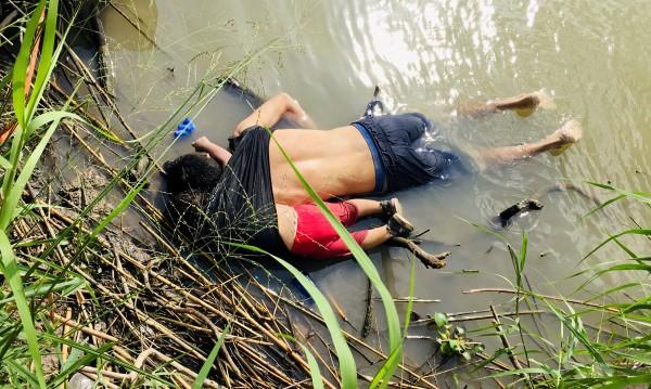 Съдба в кадър: Баща и момиченце се удавиха в търсене на свобода