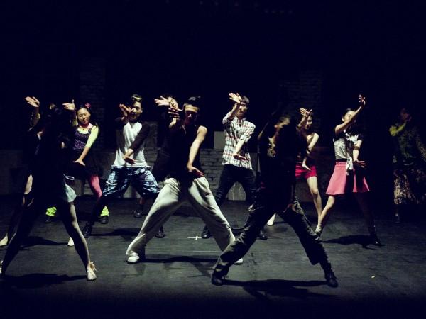 Модерната в последните години групова кардио тренировка, основана на танци,