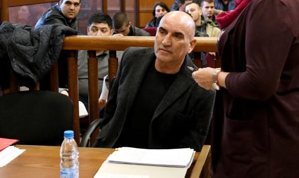 Ценко Чоков влезе в съда с инвалидна количка