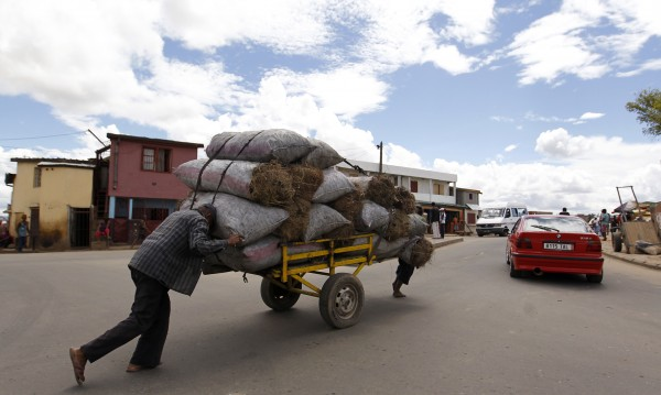 Шестнадесет жертви в блъсканица преди концерт в Мадагаскар