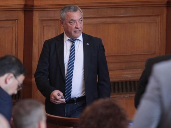 Фалстарт на консултациите в парламента за намаляването на партийните субсидии.
