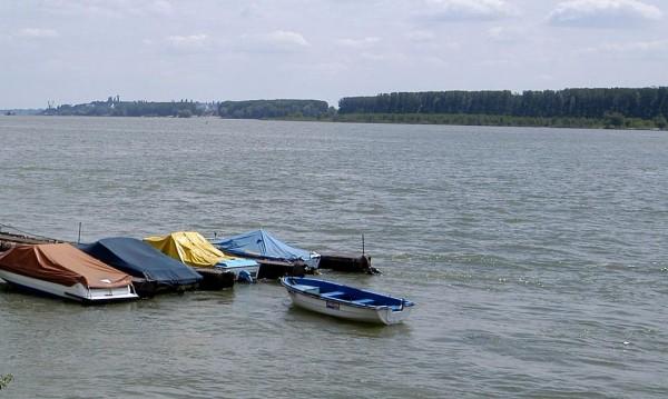 Фериботът Свищов-Зимнич не работи поради повреда