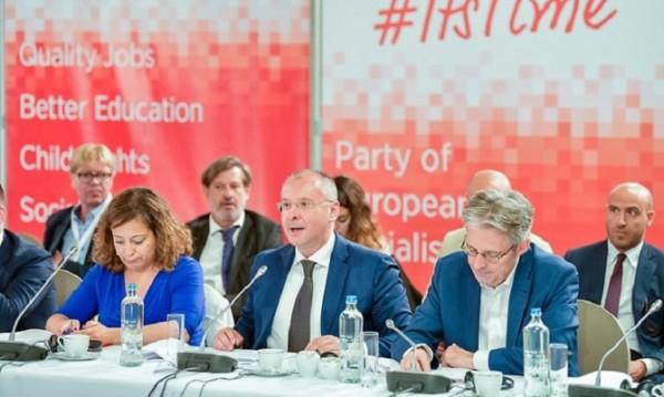 Станишев и Вебер ще споделят мандата за председател на ЕП?