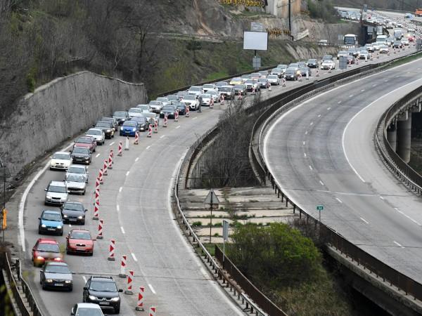 """Ремонтите по магистрала """"Хемус"""" ще продължат през летните месеци и"""