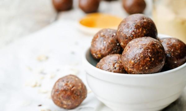 Бонбони с какао и стафиди