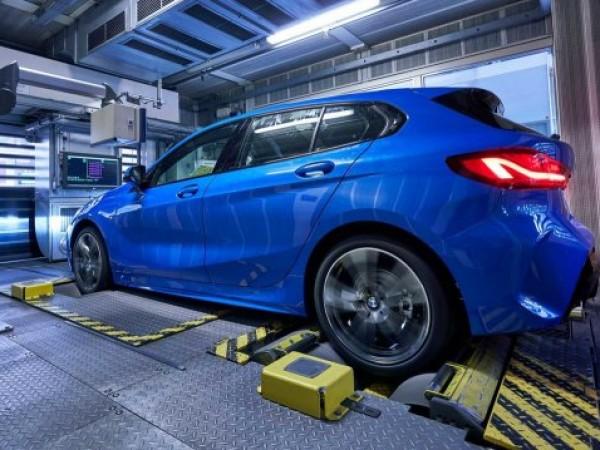 Първият сериен образец на новото поколение на BMW 1-Series слезе