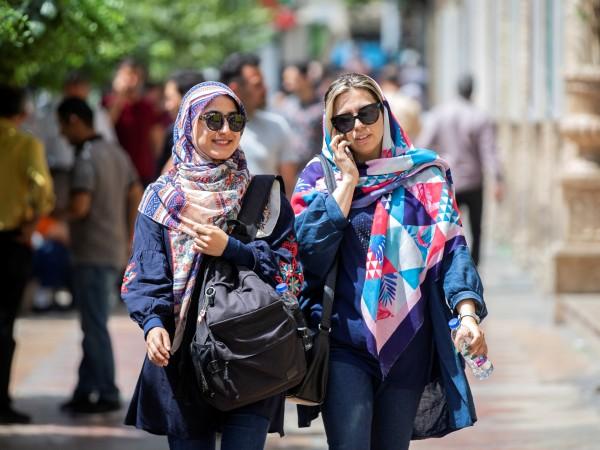 След санкциите на американското правителство, животът в Иран поскъпна за