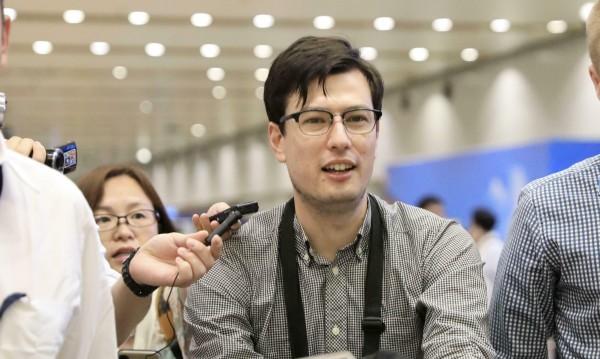 Шпионаж? Алек Сигли тъжи: Вече няма да ходя по улиците на Пхенян