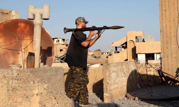 Няма ненаказано добро: Доброволците, които са се били срещу ИД