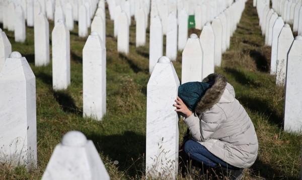 Молитва: Сълзите на Сребреница да не потекат отново... Никъде!