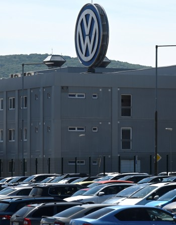 България може да осигури кадри за завод на Volkswagen