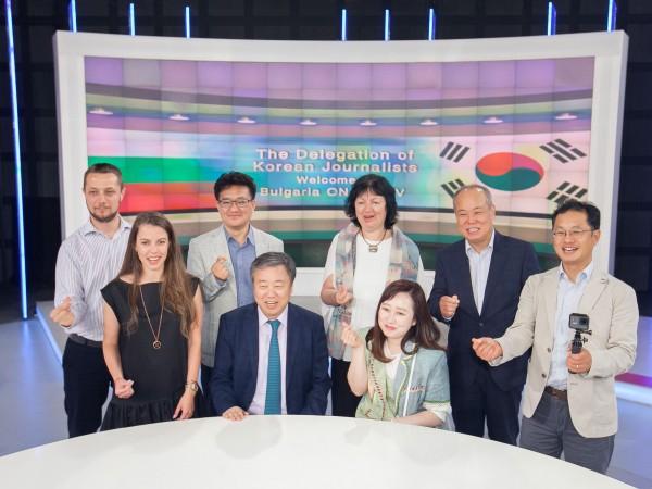 Снимка: Представители на Асоциацията на корейските журналисти посетиха Bulgaria ON AIR