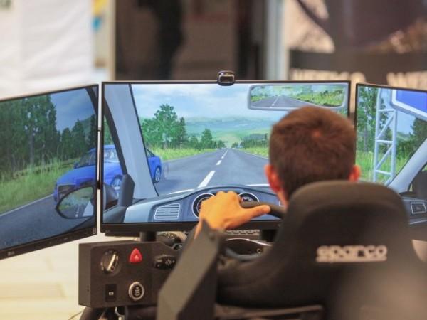 Обучението на кандидат-шофьорите няма да се провежда и на симулатор.На