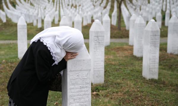 """Ужасът Сребреница: """"Кажи на мама, че не съм се мъчил"""""""