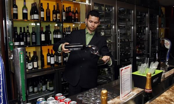 Туристите в Дубай ще си пийват, трябва само разрешително