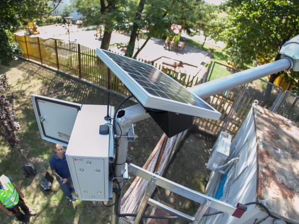 Монтират първата от 22 сензорни станции за следена чистотата в