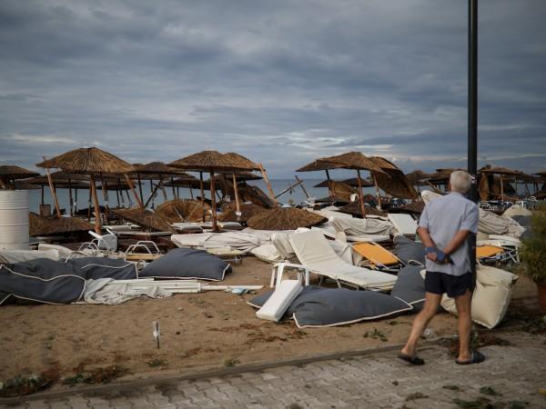 Снимка: Заснето от дрон: Драматични кадри показват разрушенията в Халкидики