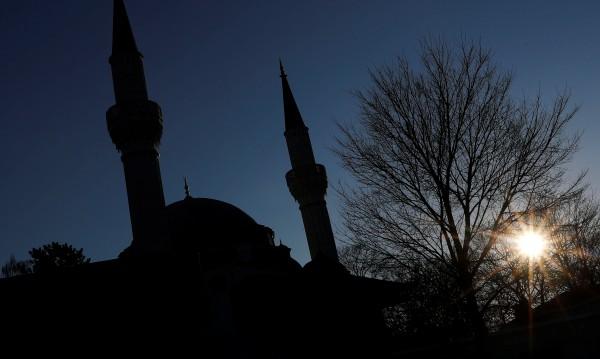 Заплаха ли е ислямът? Според всеки втори германец – да!