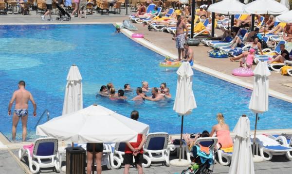 РЗИ спря 6 басейна в София, не съответстват на разпорежданията