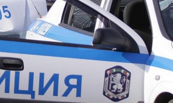 Четирима задържани в Ихтиман, не се подчинили на полицаите