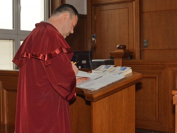 Лекар, набеден за убийството на новородено, окончателно осъди прокуратурата за