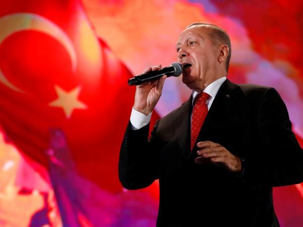 Европейският съюз наложи финансови и дипломатически санкции на Турция за