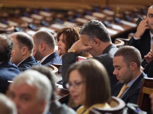 Левицата поиска премиерът Бойко Борисов, МВР шефът Младен Маринов и