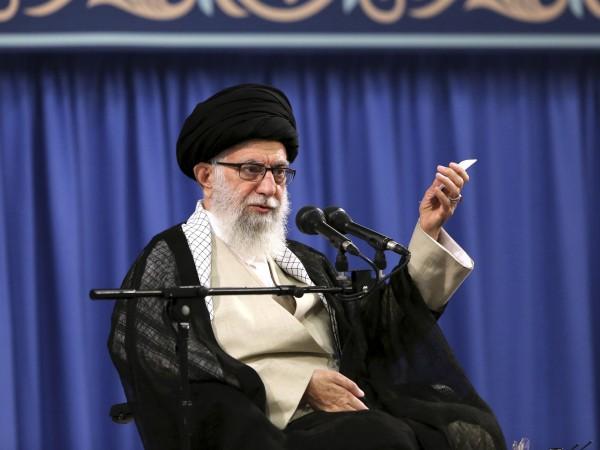 Аятолах Али Хаменей се закани, че Иран ще отвърне на