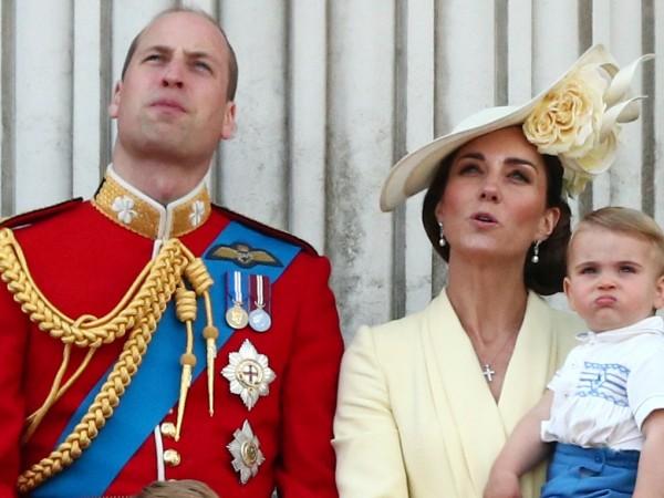 В заслужен отпуск излизат Уилям и съпругата му Кейт. Те