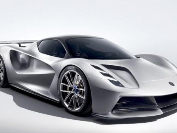 Компанията Lotus Cars представи първия си модел за последните 11