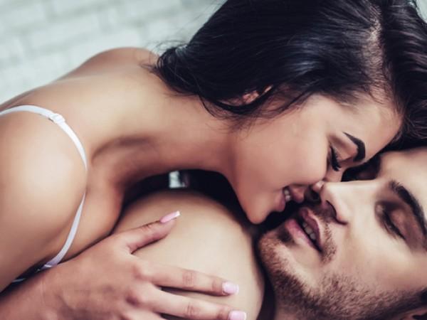 Повечето двойки правят секс вечер. Но не всеки ден преди