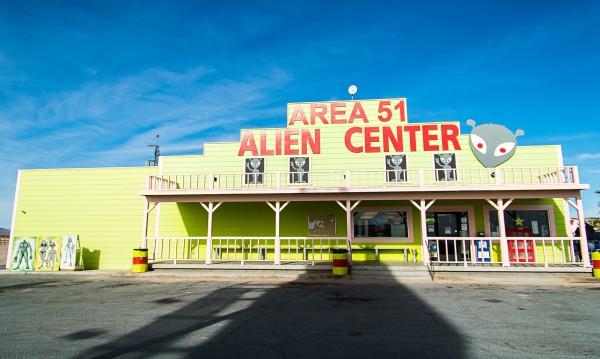 Крие ли Зона 51 извънземни кораби и НЛО? Гид за мистериозната зона