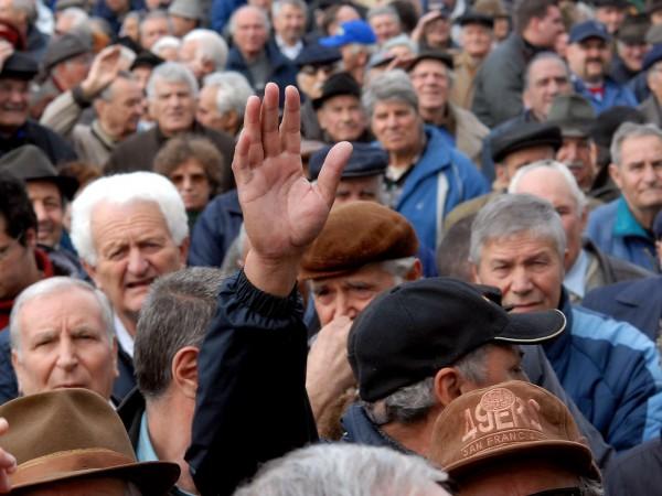 Идеята на БСП да се преизчислят пенсиите стана повод за