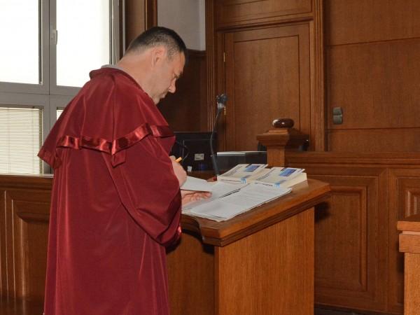 Великотърновският окръжен съд отряза като недопустим иска на Петко Петков