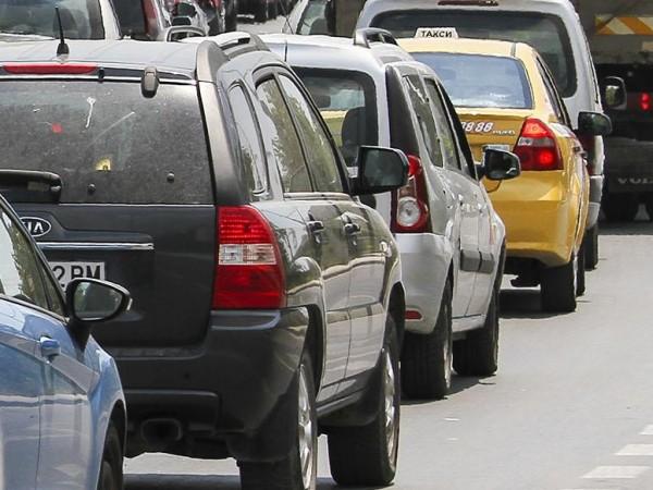 Кола с турски граждани излетя от пътното платно на магистрала