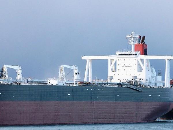 """Екипажът на петролния танкер под британски флаг """"Стена Имперо"""", който"""