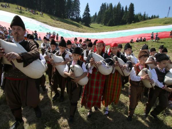 Рожен отново бе сцена на българската фолклорна музика и традиции