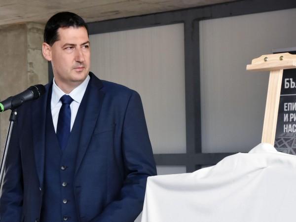 Кметът на Пловдив Иван Тотев обяви, че няма да се