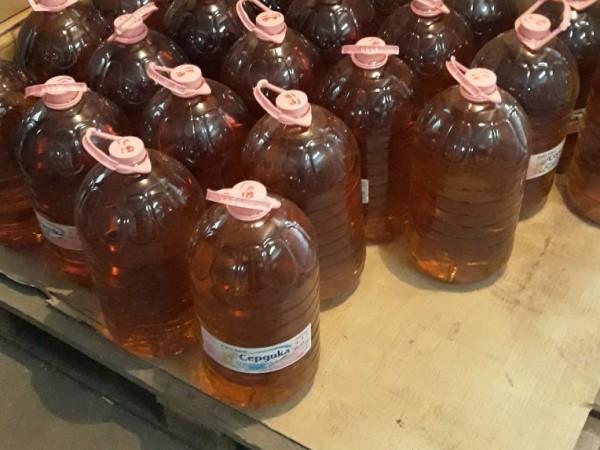 Митничари откриха над половин тон нелегален алкохол и 125 литра