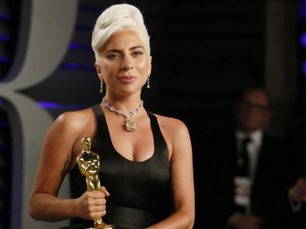 Руснаци не спират да обиждат Лейди Гага в социалните мрежи.