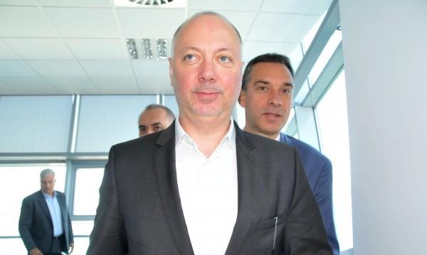 Росен Желязков проведе първия 5G разговор в България