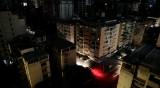 Половин Венецуела остана без ток, потъна отново в мрак