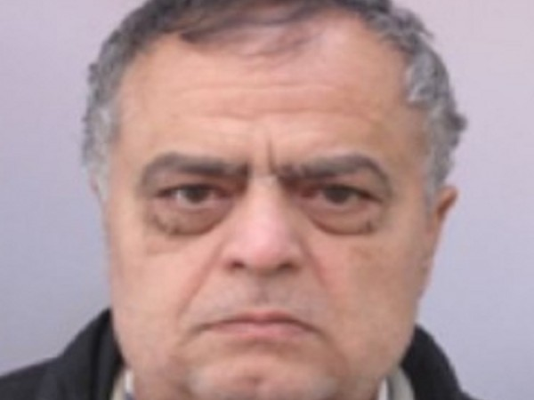 Полицията в Сливен издирва 60-годишния Красимир Петров Петров. Мъжът е